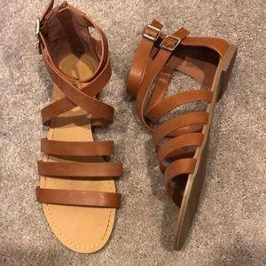 flat open toe sandals, size 8